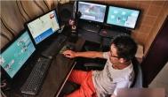 一家人享受着游戏代练赚钱带来的快乐生活
